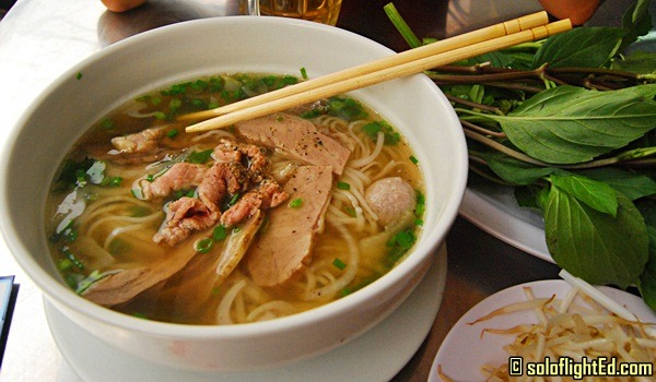 vietnam pho noodles food